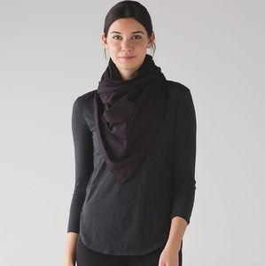 Lululemon vinyasa scarf with armholes